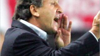 Зико към Челси: Купете Роналдиньо