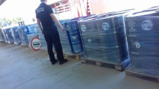 Здравните инспектори са спрели тонове облекла за внос в страната