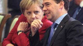 Меркел и Медведев със среща за милиарди