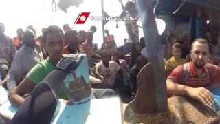 Спасиха близо 10 000 мигранти в Средиземно море за два дни