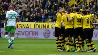 """Дортмунд се разправи с """"вълците"""", Хофе близо до оставане в Бундеслигата (ВИДЕО)"""