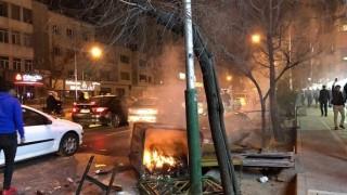 450 души са арестувани в Техеран за три дни