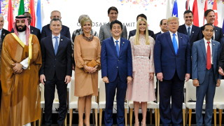 Обвиняват Тръмп в шуробаджанащина заради дъщеря му Иванка