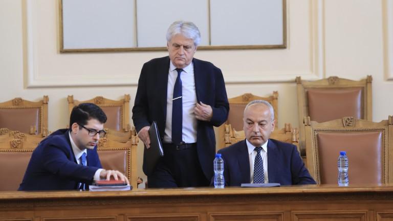 Пеканов: Няма да има застрашени сектори, ако парите по Плана дойдат тази година
