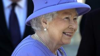 Кралица Елизабет II запазва неутралитет по референдума за членството в ЕС