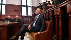 Туск се яви пред полския съд за катастрофата в Смоленск