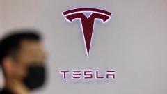 """Задължителни маски в завода за акумулатори на """"Тесла"""""""