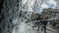 """Макрон: """"Жълтите жилетки"""" искат да унищожат Франция"""