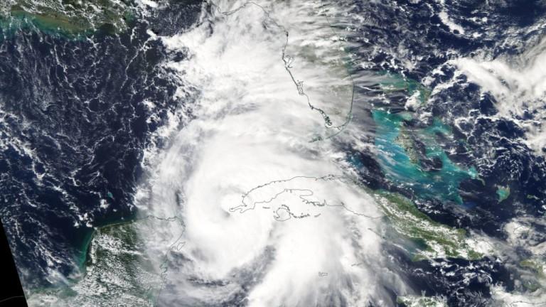 """Ураганът """"Майкъл"""" удари Флорида"""