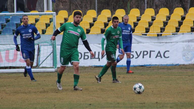 Любомир Божинов се завърна в Нефтохимик, за да помогне за