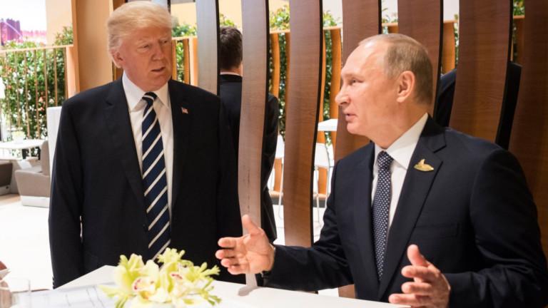 Кремъл отрича твърденията на ДжонБолтънза влиянието на Владимир Путин над