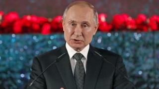 Рейтингът на Путин се срина от 59% на 35%, но руснаците не намират алтернатива