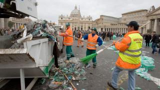 Италия заплашена от санкции на ЕС заради боклуци по улиците на Рим