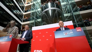 Социалдемократите в Германия подкрепиха Меркел за голяма коалиция