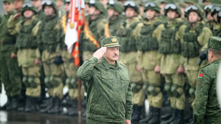 Лукашенко се гласи да разхлаби диктатурата, но не и в близко бъдеще