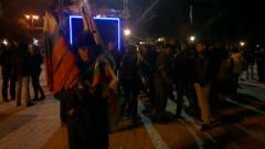 Стотина протестиращи се събраха тази вечер в София