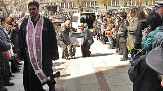 Над 1000 души се събраха на поклонението пред загиналите моряци