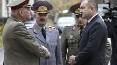 Президентът Радев поздрави военнослужещите за празника на Сухопътните войски