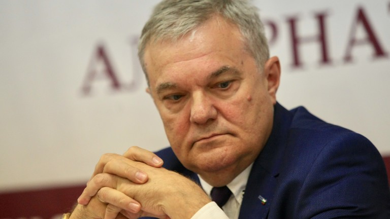 Румен Петков иска уволнение на авторите на позицията на МВнР