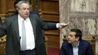Гръцкият външен министър Коциас подаде оставка, Ципрас я прие