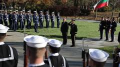 """Борисов в гробищния парк """"Арлингтън"""" в САЩ: Тук човек най-много се сеща колко е ценен мирът"""