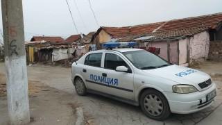 Напрежение във Войводиново, ромите се връщат и плашат с бунт