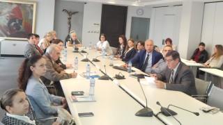 С 1.7 млн. лв. БСК и КНСБ връщат пенсионерите на пазара на труда