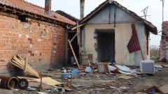 "Събарят незаконни постройки в ""Шекер махала"" в Пловдив"