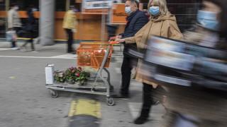 Австрия отменя задължителните маски в магазините от средата на юни