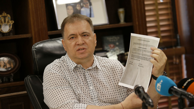 Николай Жейнов ще заведе дела за уронване на престижа му.