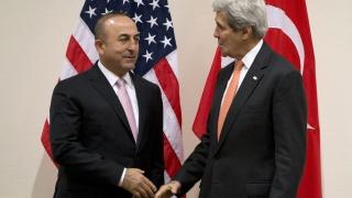 САЩ ще бъдат поканени на преговорите за Сирия, обяви Анкара, но Русия мълчи