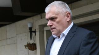 Валентин Радев обеща драстични мерки срещу футболните хулигани