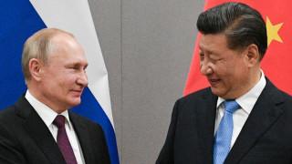 Си Дзинпин разговаря с Путин за конституцията и защита на суверенитета на страните