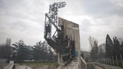 Местят паметника 1300 години България от градинката на НДК
