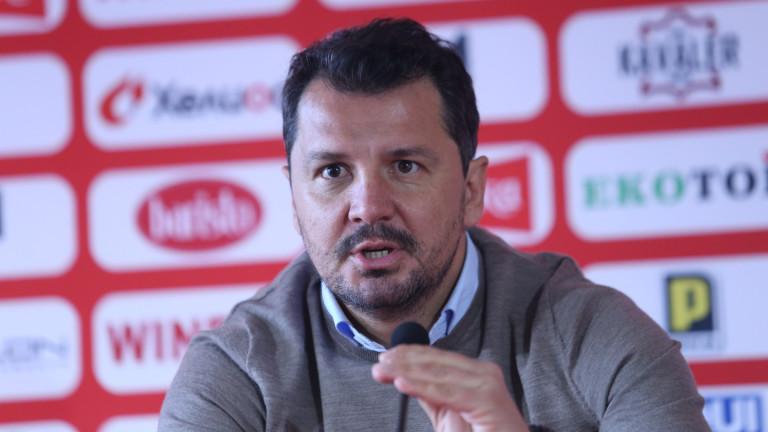 Треньорът на ЦСКА Милош Крушчич ще продължи да говори пред