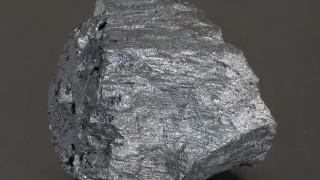 Желязната руда става все по-евтина. Цената ѝ падна до ново дъно