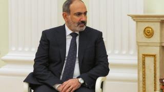 Премиерът на Армения Никол Пашинян подаде оставка