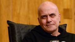 Слави Трифонов няма да се кандидатира за президент