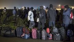 """Полицията използва сълзотворен газ срещу мигранти в """"Джунглата"""""""