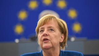 """Меркел призова ЕС да създаде """"истинска европейска армия"""""""