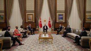 Ердоган охули Макрон за обещанието му да бори ислямисткия сепаратизъм във Франция