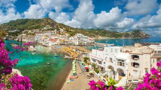 Как малките европейски острови се надяват да спечелят от туристическия бум това лято?