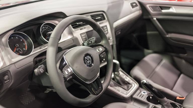VW прекратява производството на Golf. Засега