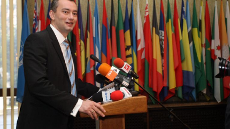 Срещу провал на преговорите между Фатах и Хамас се обяви Николай Младенов
