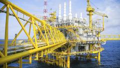 Петролът поскъпна в средата на седмицата след по-сериозен спад във вторник
