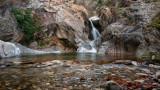 Петокласничка полетя във водопад заради опит за селфи