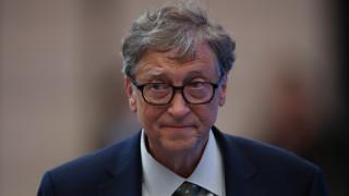 За какво Бил Гейтс се реди на опашка