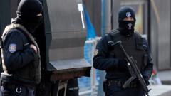 Десетки арестувани бивши служители на фондовата борса в Истанбул