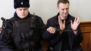 Руски съд потвърди присъдата на Навални, под въпрос е участието му в президентските избори