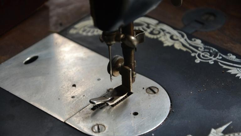 Бизнесът успя да запази паралелката по шивачество в гимназията в Монтана